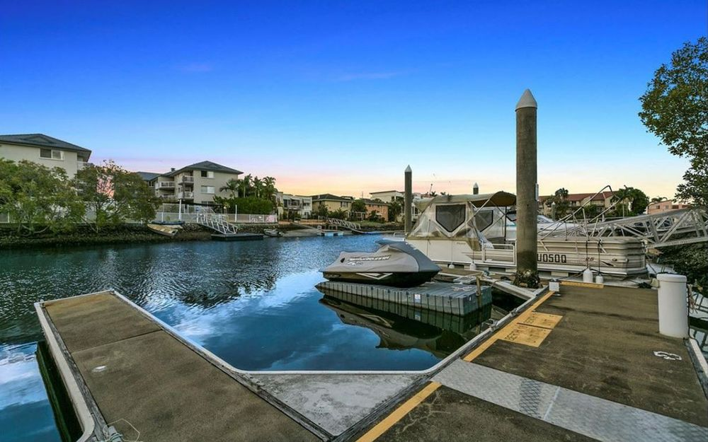 ENTRY LEVEL BOUTIQUE WATERFRONT PENTHOUSE WITH MARINA BERTH + 4 CAR GARAGE REDUCED TO $620K MUST BE SOLD