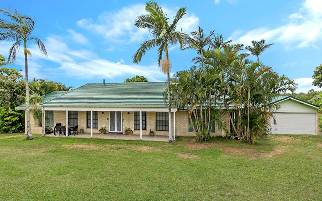 Christmas Special! 6652m2 Land and House with 2 Street Frontage, Excellent Investment Opportunity!