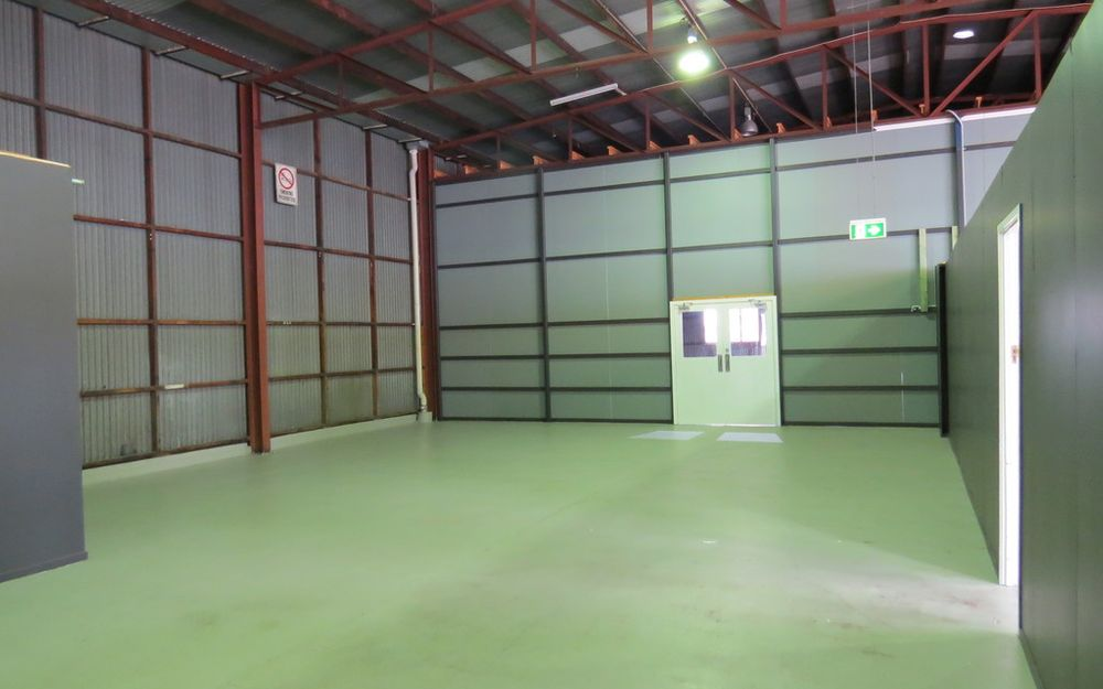 Big Space with parking on-site