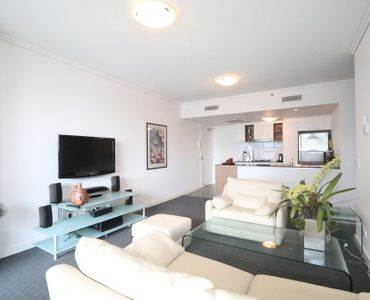 Stunning Fully furnished apartment in Immaculate condition
