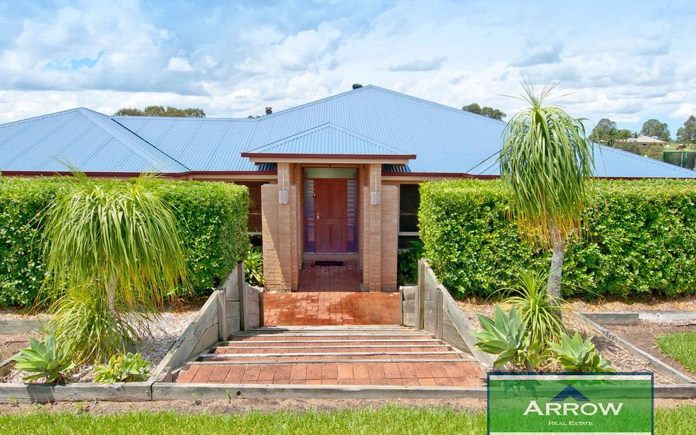 Exclusive Family Home in Glen Logan Lakes
