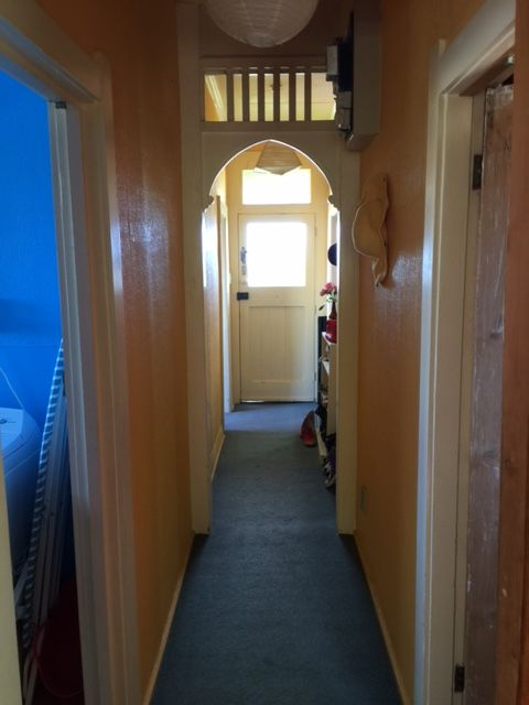 Tidy Two Bedroom Close to Town