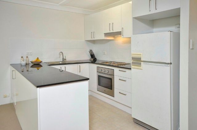 TWO BEDROOM APARTMENT CLOSE TO SHOPS AND TRANSPORT