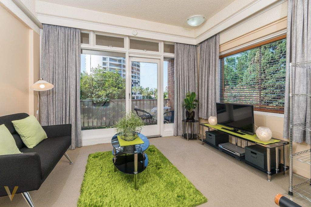 RIVERSIDE LIFESTYLE AT YOUR DOORSTEP | FULLY FURNISHED APARTMENT