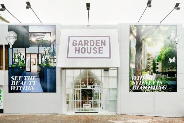 Modern 2 Bedroom Apartment  – Garden House
