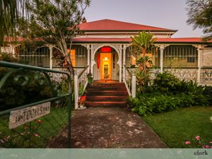 Gorgeous Colonial Home on 810sqm!