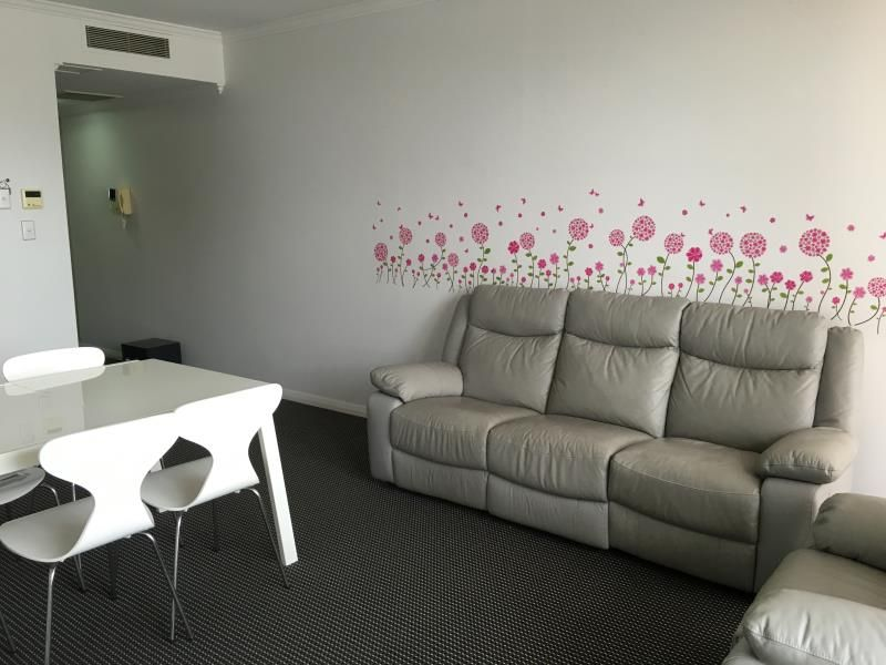 Furnished Split level 2 bedroom + Generous Study Room (as a bedroom) apartment at Waterloo close to ALDI and coles!!!