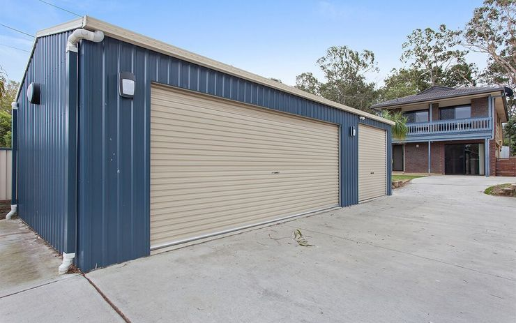 Two-storey house with bonus 3 bay shed + Downstairs Rumpus