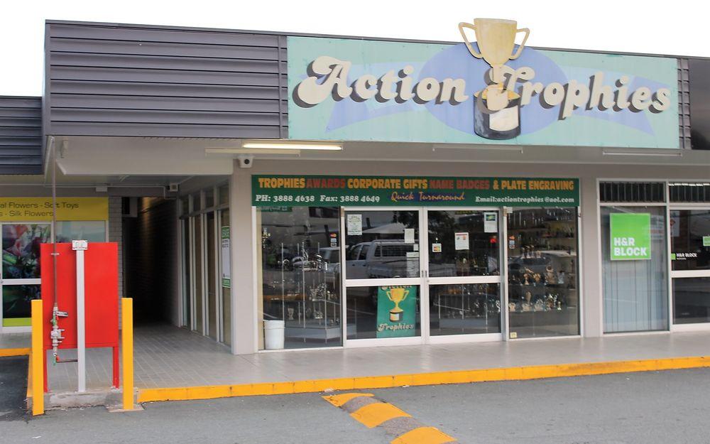 Corner Retail with Plenty of Exposure