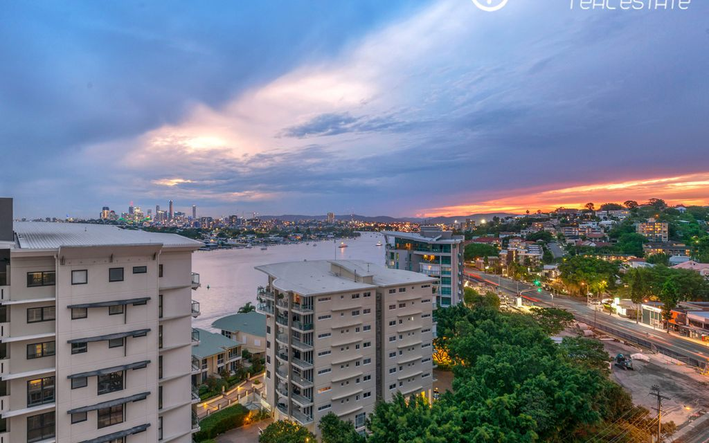 Luxury Apartment With Incredible River Views – Must be Sold!