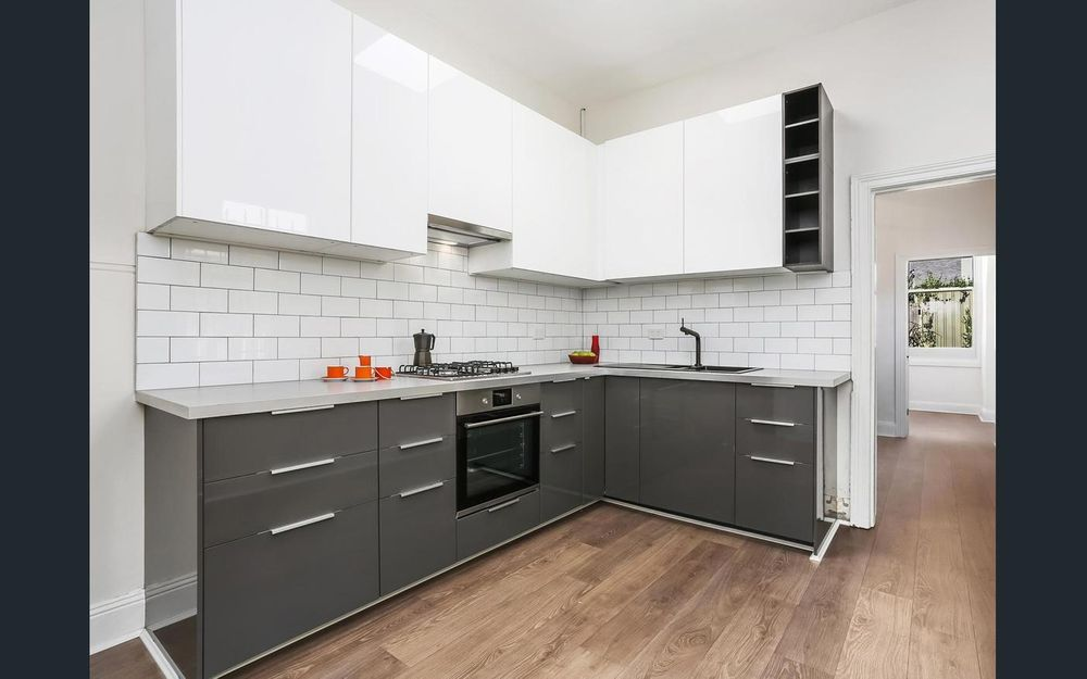 Contemporary renovated two bedroom plus full sized study home