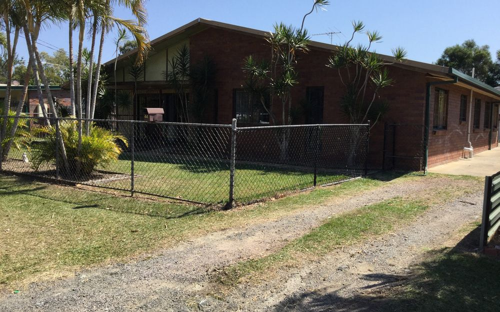 Large 5 bedroom home with Air con!