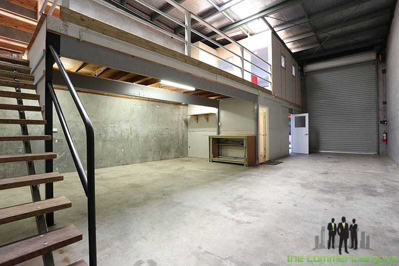 Great Warehouse & Office Set Up!