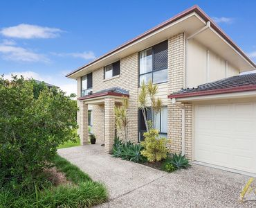GREAT BUYING IN EXCELLENT LOCATION!