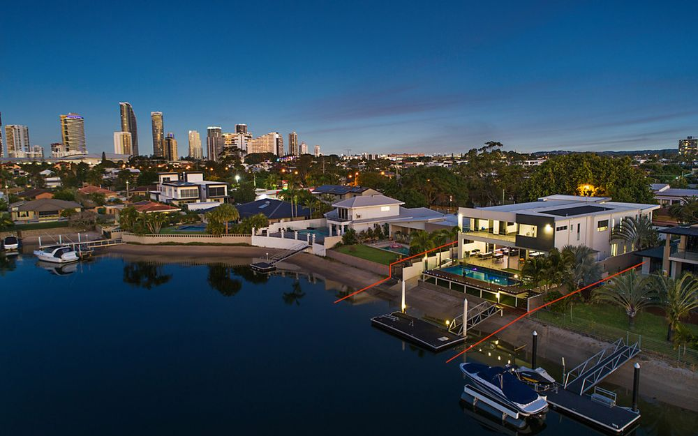 MAGNIFICENT MASTERPIECE WITH SURFERS PARADISE SKYLINE VIEWS