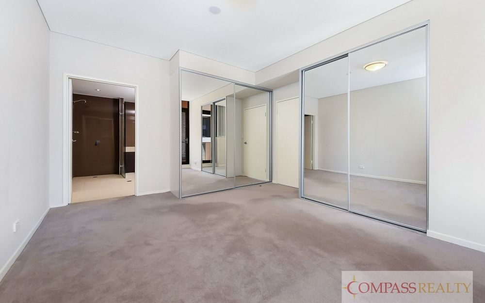 spacious 2 Bedroom apartment in Emerald Park Zetland!!!!!!!