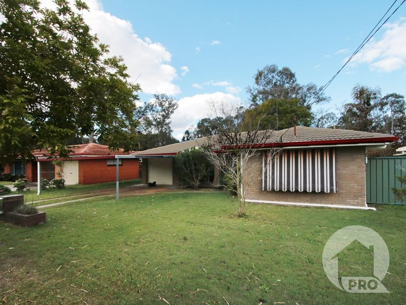 Wonderful Family House in Convenient Macgregor Location