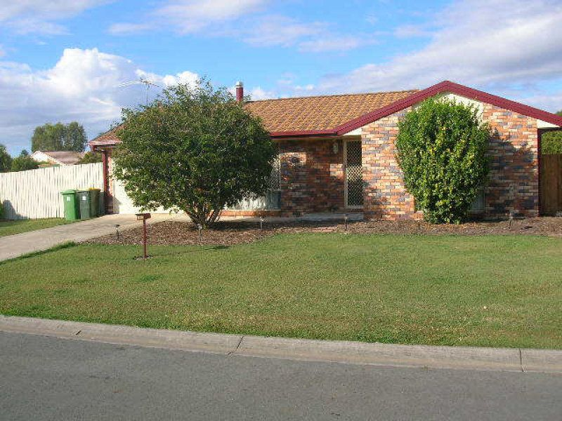 Low Set Brick – Family Home Close to town!