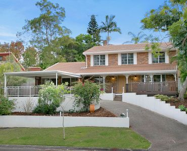 Spacious Renovated Entertainer Located in Mt Coot-Tha Park Estate