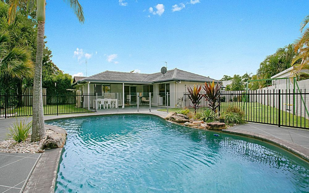 IDEAL FAMILY HOME IN THE SOUGHT AFTER SORRENTO AREA