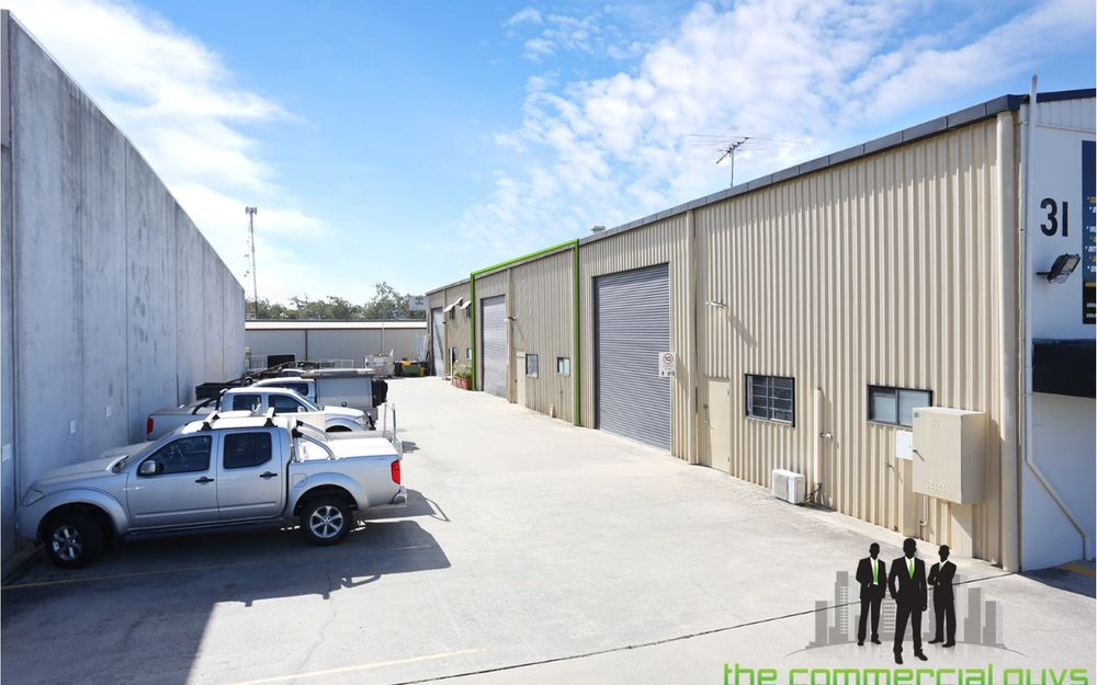 Warehouse Plus Spray Booth – Corporate Park Industrial Location