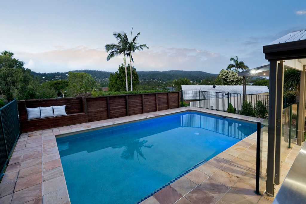 Large family home, views to the Taylor Range