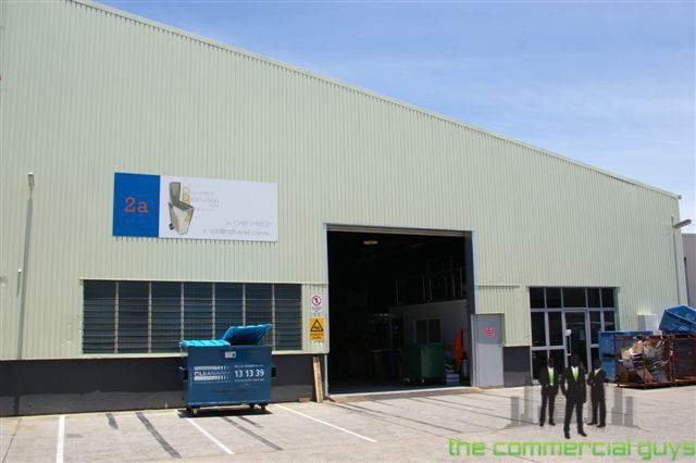 High Clearance Warehouse in Busy Location