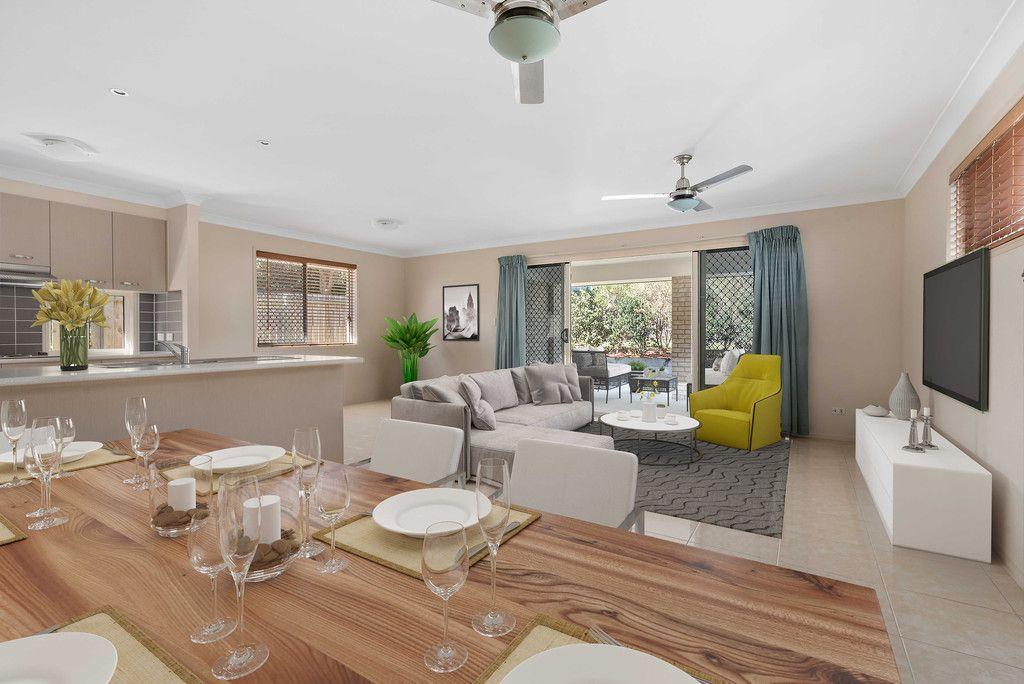 Modern, Convenient & Low Maintenance Home!