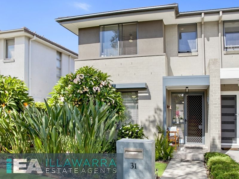 Great entry level home just moments to the Marina