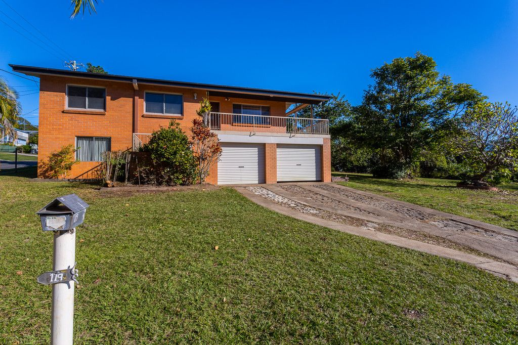 Fantastic large family home!