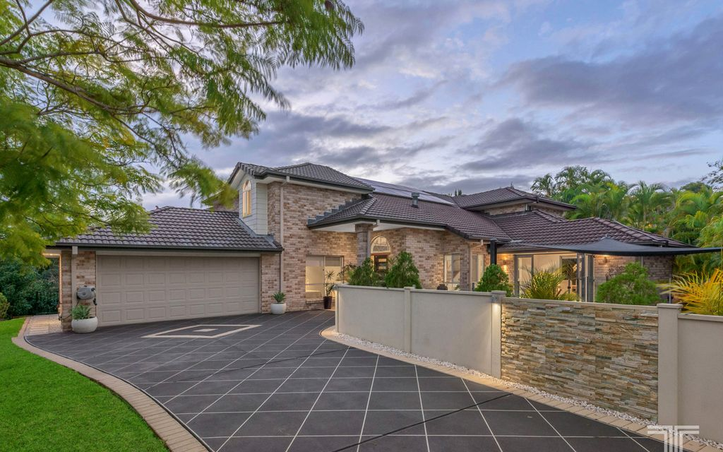 Spectacular Home with Multiple Living and Entertaining Spaces