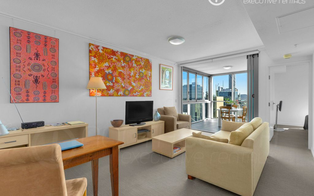 STUNNING EXECUTIVE APARTMENT – FULLY FURNISHED