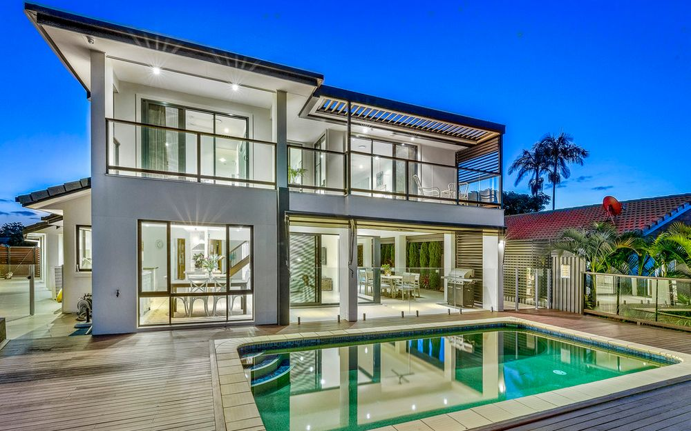 NORTH EAST FACING – ENVIABLE WATERFRONT LIFESTYLE