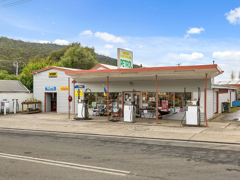 Dover Hardware freehold property on 3 titles