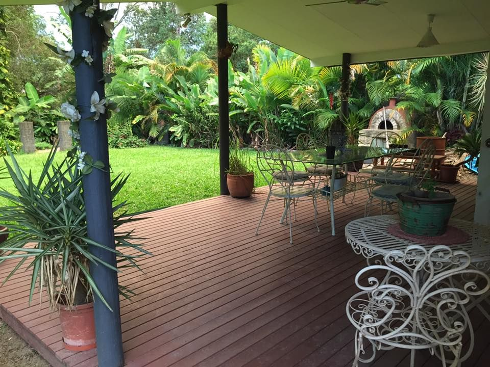 Furnished oasis in Mooloolah Valley