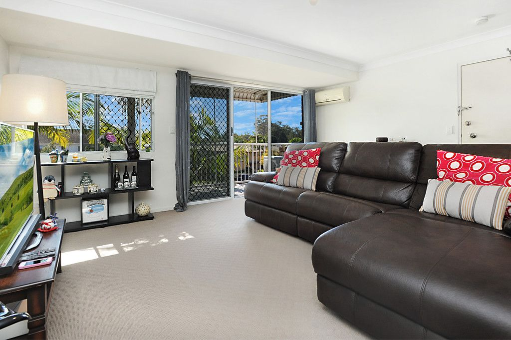Modern and Open Plan 2 Bed 2 Bath
