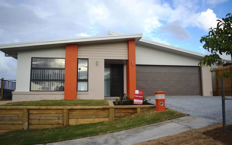NEW 4 BEDROOM FAMILY HOME WITH SEPARATE MEDIA ROOM AND SECURITY SCREENS ON DOORS & WINDOWS – WALK TO SHOPS AND TRANSPORT