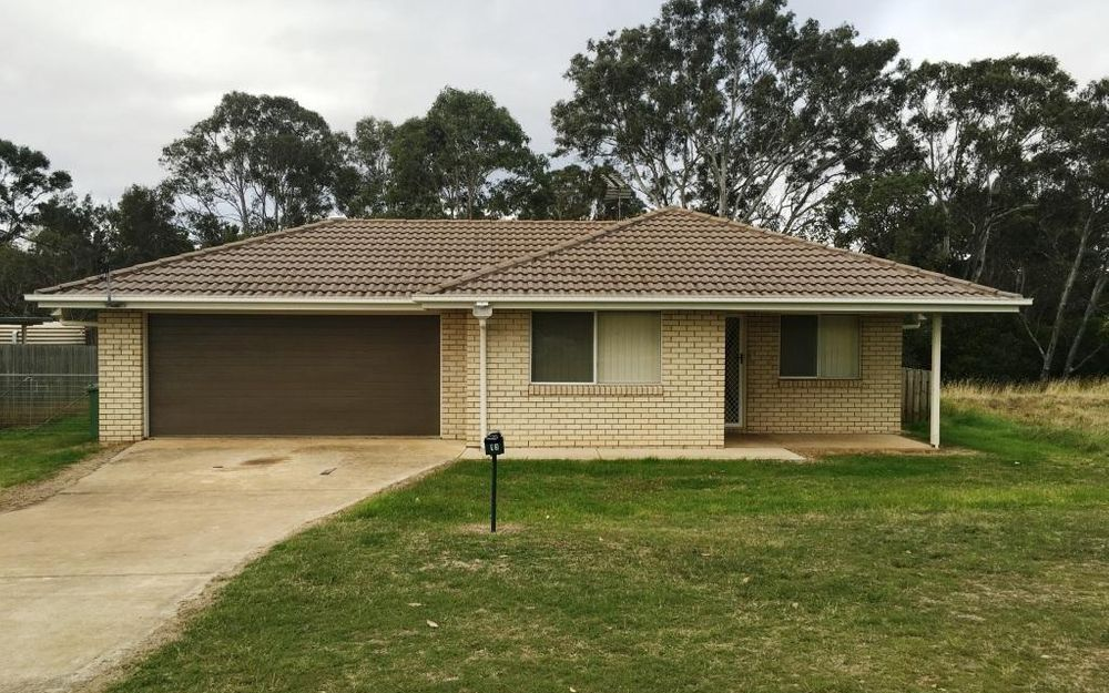 MODERN HOME, LOCATED CLOSE TO TOWN in YARRAMAN