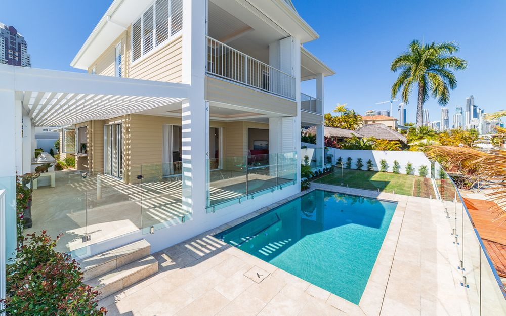 MAGNIFICENT BRAND NEW PARADISE WATERS RESIDENCE – FIRB EXEMPT