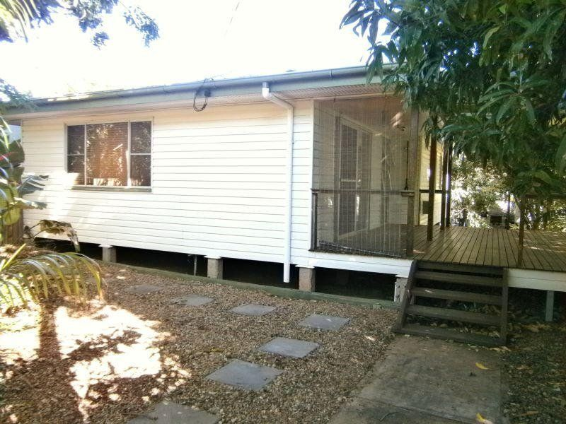 Three Bedroom Home in Quiet Sunset Street