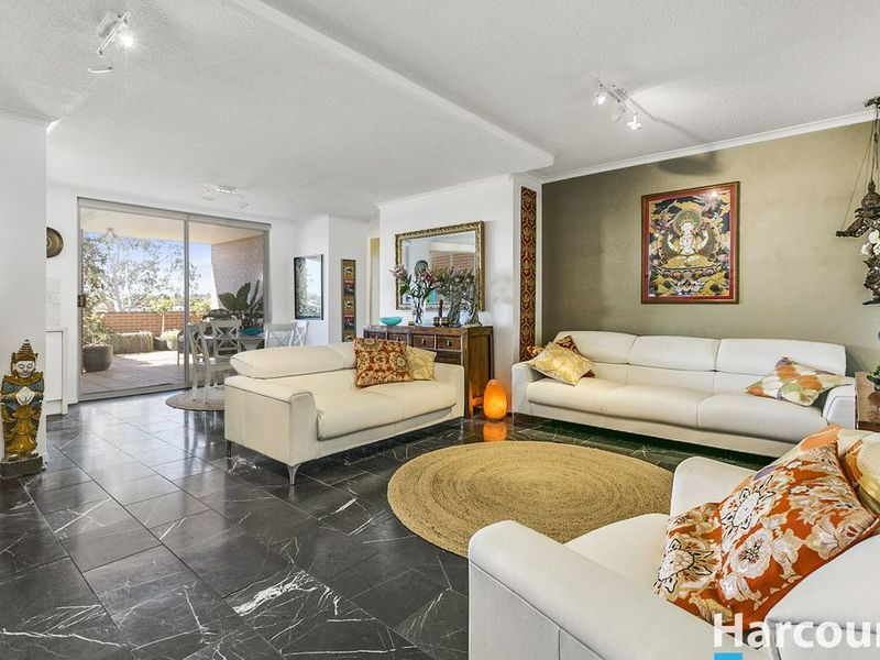 Under Contract –  Style with Exceptional Panoramic Views