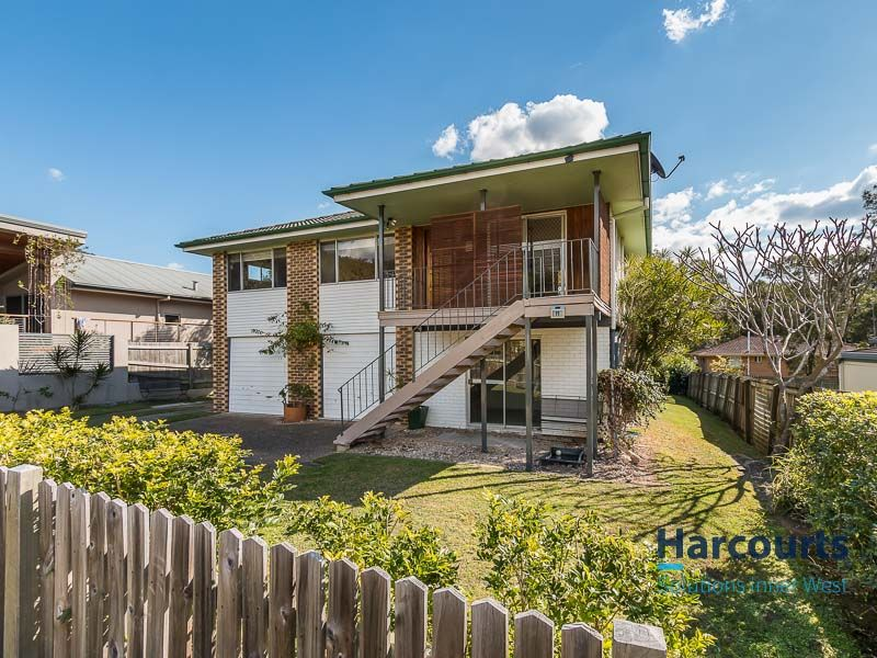 Close to Ashgrove, Mt-Coot-tha foothills