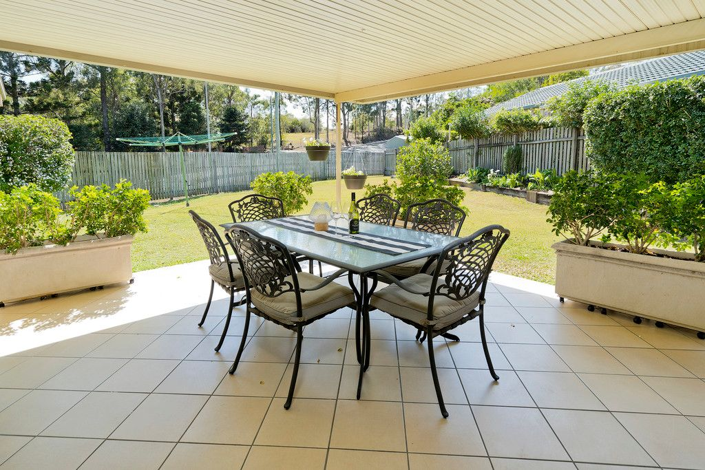 Stunning Lowset, Just Perfect For You & Your Family