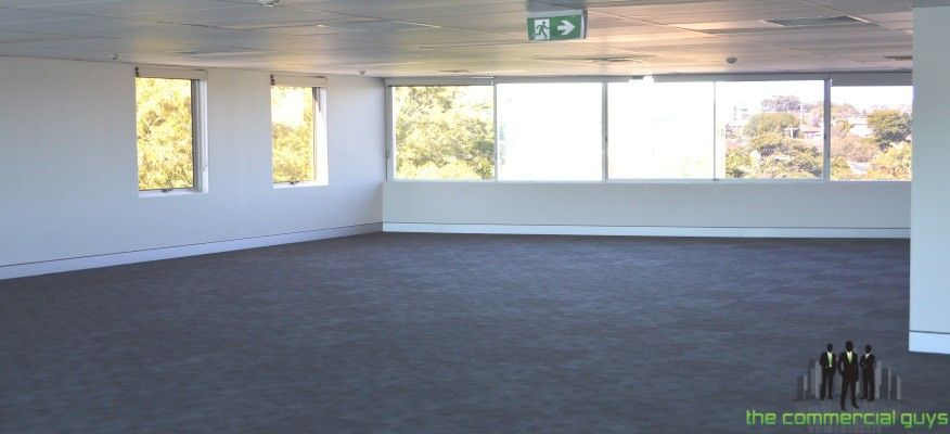 Level 4 Suite in Modern Commercial Building