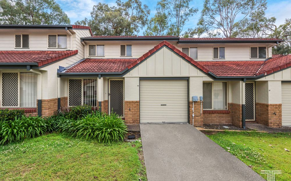 Outstanding Complex Opposite Westfield Carindale