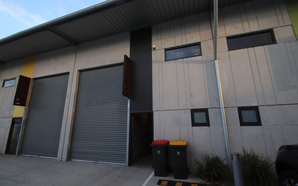 FULLY TENANTED OFFICE & WAREHOUSE