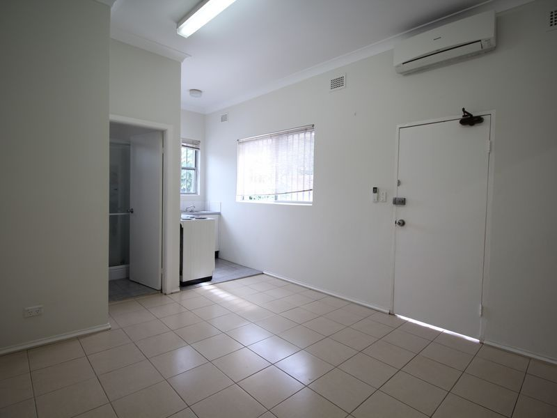 SPACIOUS 1 BEDROOM FLAT