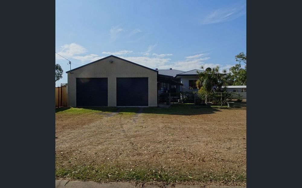 IMMACULATE 2 BEDROOM HOUSE CLOSE TO BOAT RAMP