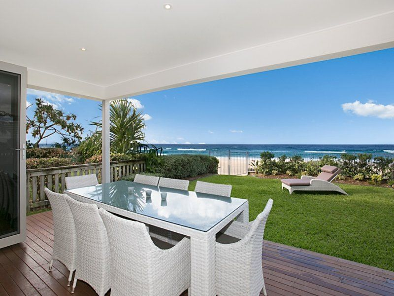 ENVIABLE ABSOLUTE BEACHFRONT LOCATION & LIFESTYLE