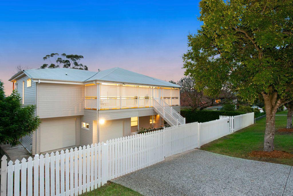 Elegant Queenslander meets Designer Luxury on 810sqm